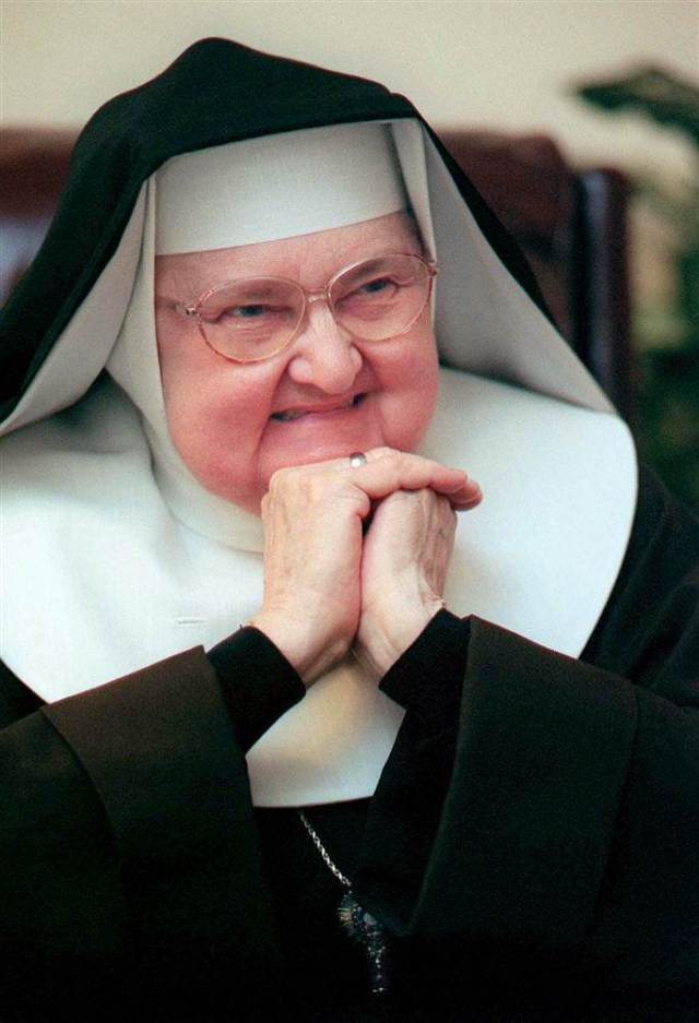 160327-mother-angelica_3328b036067ec2fc40d88a3c54c3ad7b-nbcnews-ux-2880-1000